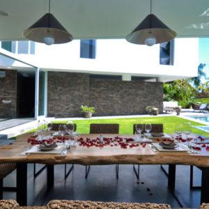 villa_ashoka_canggu_dining_table
